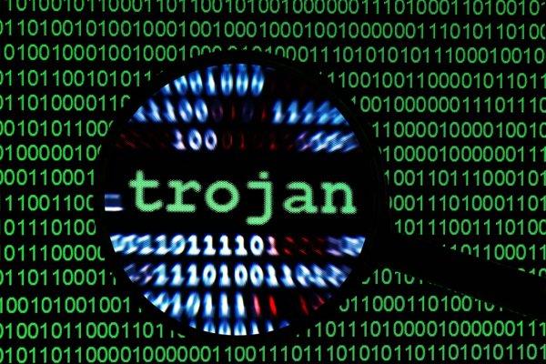 Новый троян-шпион атакует игроков в онлайн-покер