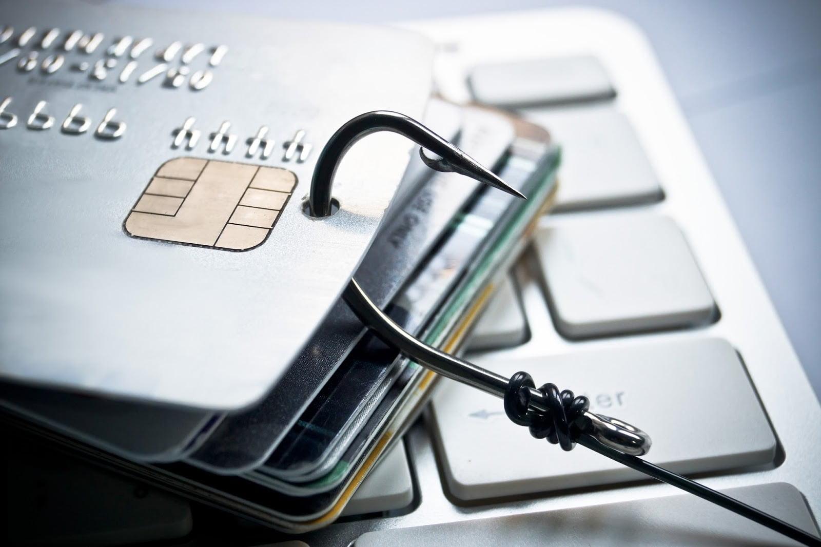 Сбербанк выявил свыше 600 фишинговых доменов и 1300 зараженных сайтов