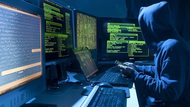 Какими умениями должен обладать профессиональный хакер?