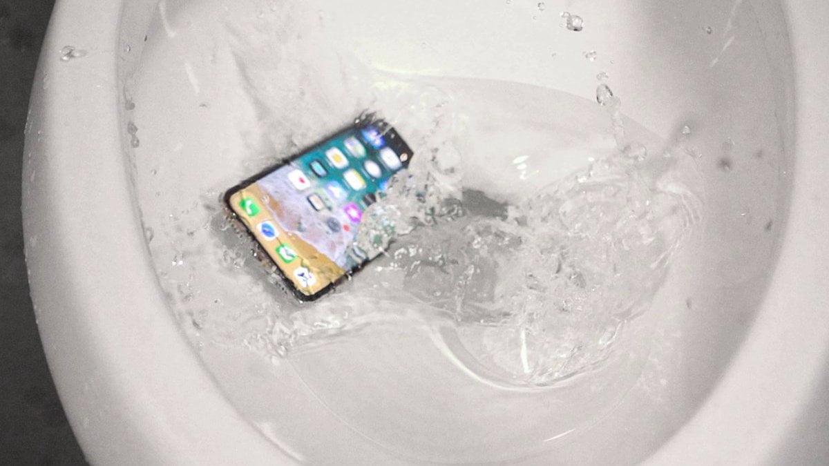 Что делать, если уронили iPhone в воду